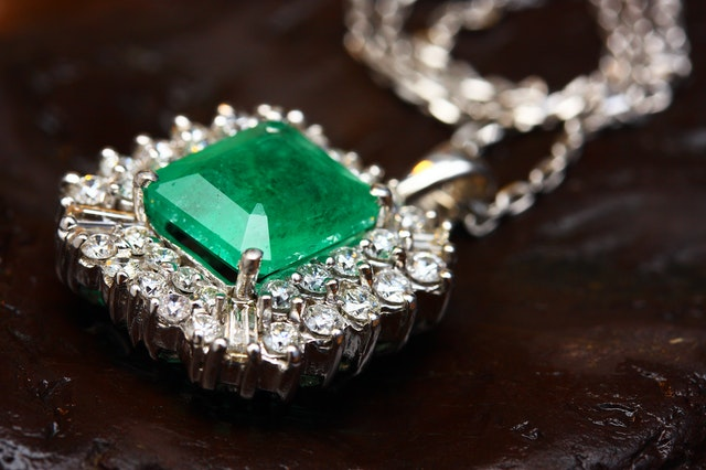 bijoux pierre precieuse